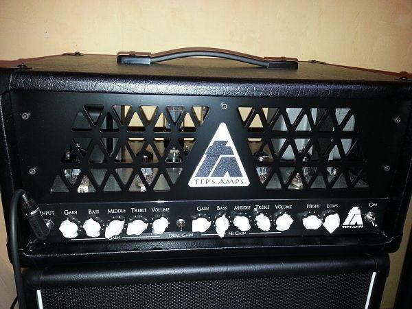 Façade de l'ampli tout lampe Dual Gain de Tep's Amp